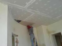 Fizyczna Praca w Niemczech w budownictwie przy montowaniu drzwi, okien, regipsów
