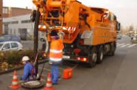 Fizyczna praca Niemcy przy czyszczeniu kanalizacji od zaraz Ingolstadt