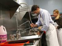 Oferta pracy w Niemczech dla pomocy kuchennej na zmywaku w restauracji