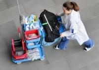 Dam fizyczną pracę w Niemczech na lotnisku w Monachium przy sprzątaniu