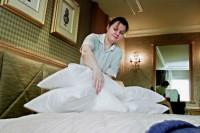 Niemcy praca fizyczna w hotelu dla pokojówki przy sprzątaniu pokoi Drezno