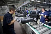 Niemcy praca na produkcji przy montażu w fabryce samochodów Neuburg