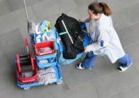 Niemcy praca fizyczna na lotnisku przy sprzątaniu terminala Bawaria