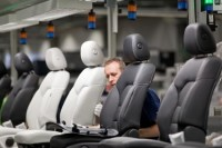Praca Niemcy na linii produkcyjnej montaż foteli samochodowych Ingolstadt