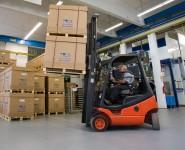 Oferta pracy w Niemczech Stuttgart operator wózka widłowego na magazynie