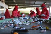 Niemcy praca fizyczna dla par bez języka przy recyklingu Frankfurt nad Menem