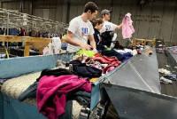 Dla par oferta fizycznej pracy w Niemczech sortowanie odzieży bez języka Monachium