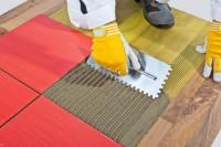 Niemcy praca w budownictwie przy wykończeniach – Kładzenie kafeleków, podłóg, montaż drzwi i okien, malowanie