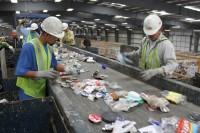 Ogłoszenie fizycznej pracy w Niemczech dla par bez języka przy recyklingu Kolonia