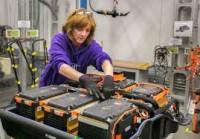 Pracownik produkcji baterii przemysłowych dam pracę w Niemczech w Berlinie