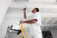 Malarz-tapeciarz praca Niemcy na budowie przy wykończeniach w Hamburgu