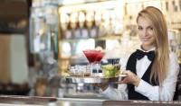 Kelner lub Kelnerka Niemcy praca w restauracji z miasta Grimma