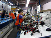 Kontroler jakości bez języka praca Niemcy dla par na produkcji części samochodowych
