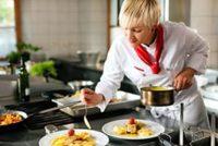 Kucharz / Kucharka dam pracę w Niemczech w gastronomii, k. Berlina